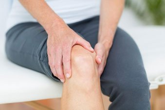Bad Habits That May Be Contributing to Your Knee Pain